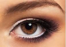 Schlupflider Kaschieren Das Richtige Make Up F 252 R