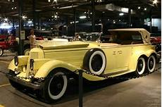 luxury cars vintage cars which should you choose
