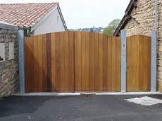 fabrication portail bois fourniture et pose de portail en bois installation de