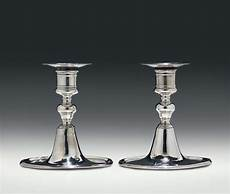 candelieri in argento coppia di candelieri in argento sbalzato fuso e inciso