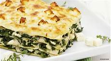 Lasagne Mit Spinat - spinace lasagna with white sauce and feta cheese