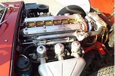 08 moteur jaguar type e 3 8l toit ouvrant 1964 classic car