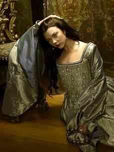 natalie dormer tudors natalie dormer boleyn dress