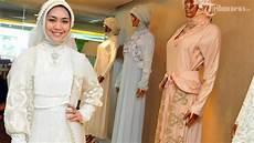 Model Jilbab Oki Setiana Dewi Voal Motif