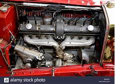 2 8 litre 8 cylinder engine of a 1933 alfa romeo 8c 2300