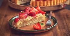 torta margherita con crema pasticcera e fragole torta alle fragole con crema pasticcera profumata e soffice