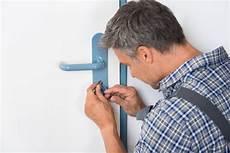 comment changer une serrure comment changer la serrure d une porte d entr 233 e