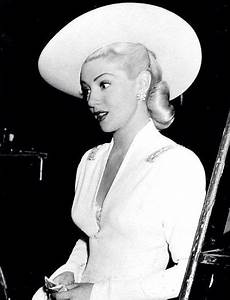 lana turner hollywood glamour 40s fashion gorgeous women s fashion photography photo image