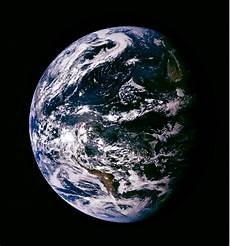 Pembuktian Foto Resmi Bumi Nasa Hoax Melinweb