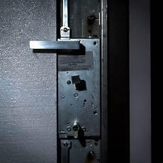 come cambiare serratura porta come cambiare il cilindro della serratura di una porta
