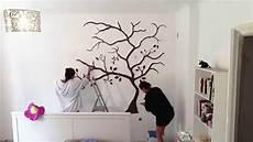 Schablonen Für Die Wand - wandtattoo wandbemalung baum schlafzimmer