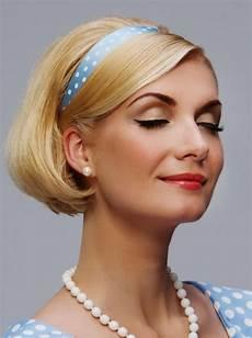 Frisur Mit Haarband - 24 herrliche ideen f 252 r effektvolle frisuren mit haarband
