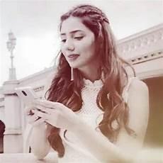 chummah for uhh shinning st r z mahira khan pakistani actress pakistani