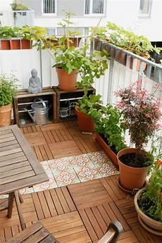 Ideen Für Balkon - unser sonniges pl 228 tzchen im gr 252 nen balkon urbanjun in