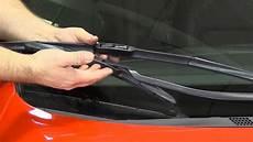 les essuie glace comment changer les essuie glaces de sa voiture