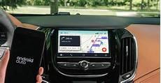android auto waze waze est maintenant disponible dans les voitures avec