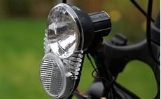 fahrradbeleuchtung test das fahrradlicht richtig w 228 hlen