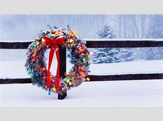 Christmas Wreath on Fence HD Wallpaper   Background Image