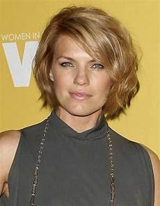 angle bob wavy hair for round faces flattering wavy hairstyles for faces