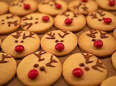weihnachtsplätzchen rezepte einfach weihnachtspl 228 tzchen mit kindern backen und verzieren
