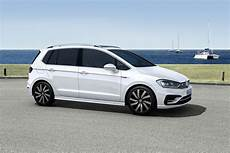 Vw Golf Sportsvan Gets An R Line Sporty Upgrade Carscoops