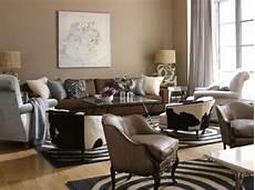 wohnzimmer braunes sofa wohnzimmer streichen 106 inspirierende ideen archzine net