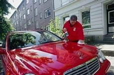 neues auto waschen waschen ohne wasser autobild de