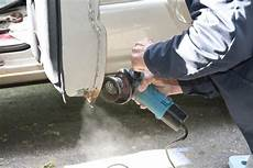 Auto Rost Entfernen - car repair to remove rust stock image image of