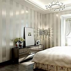 Schlafzimmer Tapete Modern - modern black wallpaper striped purple and silver glitter