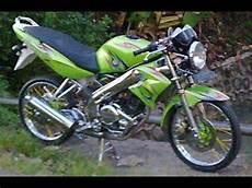 Modifikasi Vixion Jari Jari Airbrush by Modifikasi Motor Yamaha Vixion Velg Jari Jari