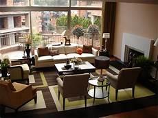 Modernes Wohnzimmer Braun - geometric rug contemporary living room hgtv