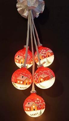 beleuchtete weihnachtskugeln glaskugeln mit beleuchtung th 252 ringen fenster schmuck rot