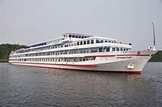 wolga kreuzfahrt 2018 schiff kronstadt flusskreuzfahrtschiff auf der wolga moskau