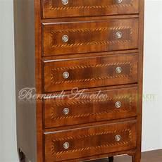 mobili in legno vecchio cassettiere in legno vecchio mobili da entrata
