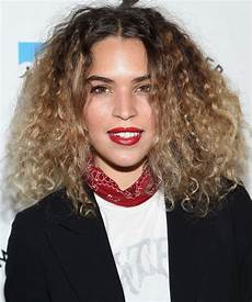 22 glamorous curly hairstyles and haircuts for short medium hairstyles