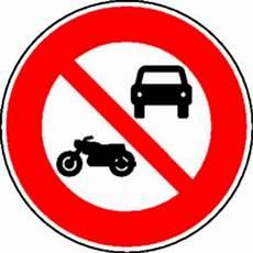 interdiction voiture panneau circulation interdite aux motos et voitures classe 1 stocksignes