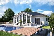 bungalow one 134 mit walmdach b 228 renhaus
