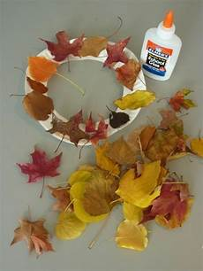 Basteln Mit Herbstblättern - herbstdeko basteln mit kindern 42 ganz einfache und