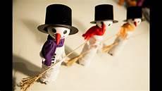 figuren aus süßigkeiten basteln schneemann deko f 252 r weihnachten basteln