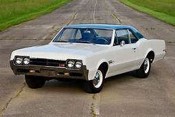 Conservative Looks Of 1966 Oldsmobile 4 2 W 30 Hide True