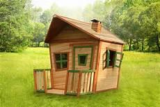kinder spielhaus holz comic kinderspielhaus mit terrasse