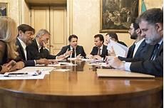 segretario generale presidenza consiglio dei ministri governo pd m5s 232 ufficiale il premier conte annuncia l