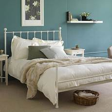 White Metal Bed Frame Bedroom Ideas by Thrifting Vintage Metal Beds