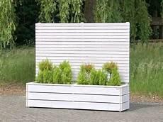 sichtschutz mit blumenkasten pflanzkasten blumenkasten