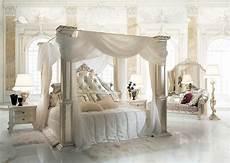 camere da letto con baldacchino letto classico con baldacchino per suite idfdesign