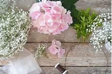 hortensien gesteck selber machen kirchendeko zur hochzeit selber machen ein