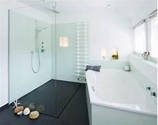 Duschbereich Ohne Fliesen - fugenlose duschen pflegeleicht und puristisch baqua