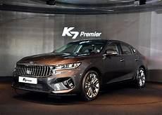 kia k3 2020 facelifted 2020 kia cadenza breaks cover as the k7 premier