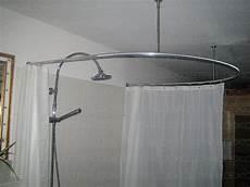 duschvorhangstange rund runde duschvorhangstange f 252 r viertelkreis badewanne