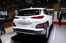 hyundai kona hybride rechargeable salon de l auto 232 ve 2018 nouveaut 233 s voitures 233 lectriques et hybrides